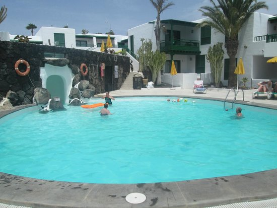 Bungalows Velazquez: Pool