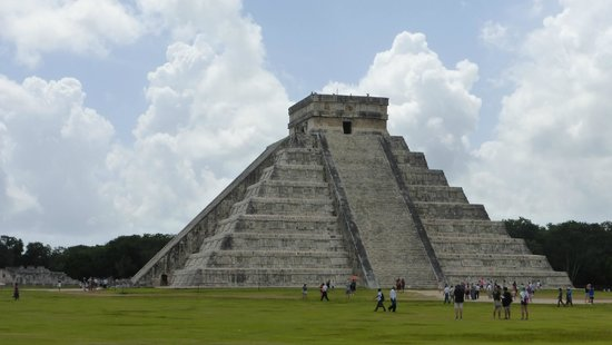 Kukulcan Pyramid: 2
