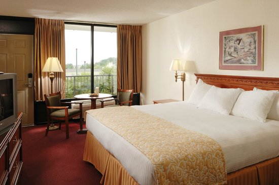 Branson's Best: King Room