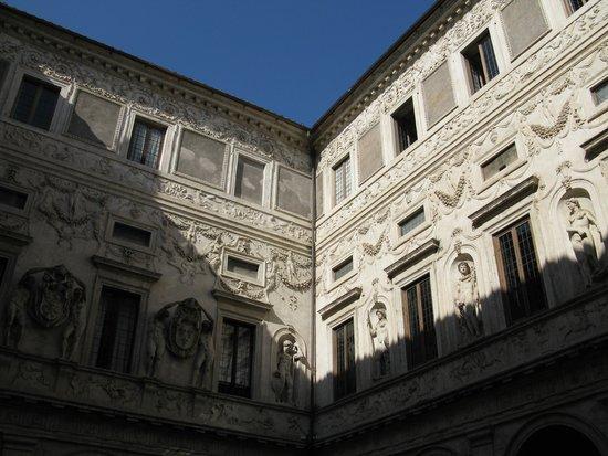 Galleria Spada : Palazzo Spada dal cortile