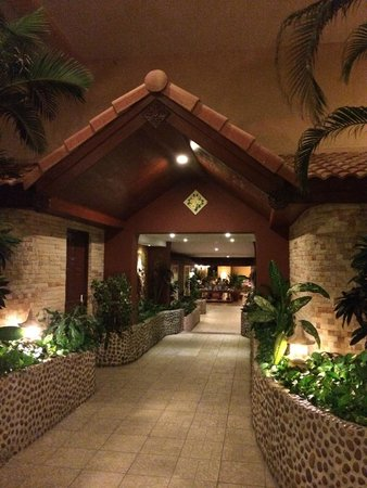 Pacific Club Resort: Hotel Entrance