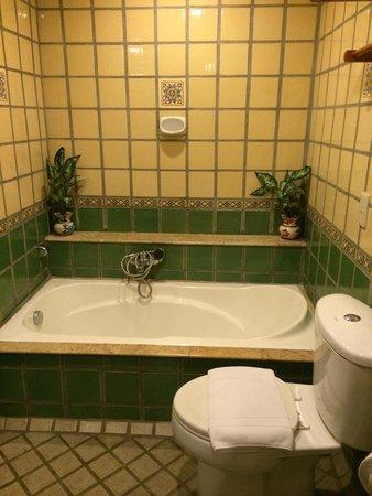 Pacific Club Resort : Bathroom