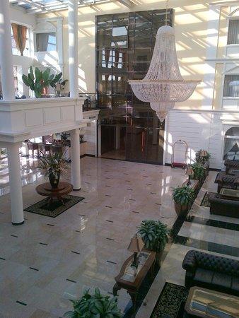 Faltom Hotel & Spa: Rumia, Hotel Faltom - View of the entrance from the balcony of breakfast area