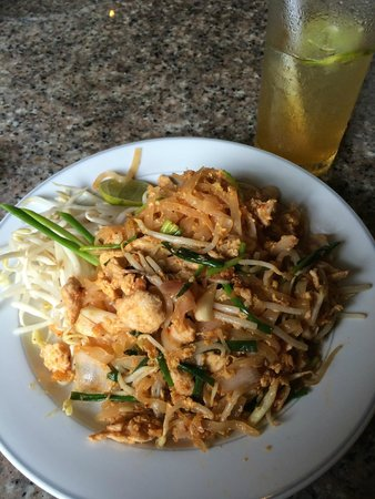 Pacific Club Resort: Pad Thai