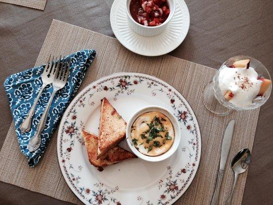 Bayberry Inn: delicious breakfast!