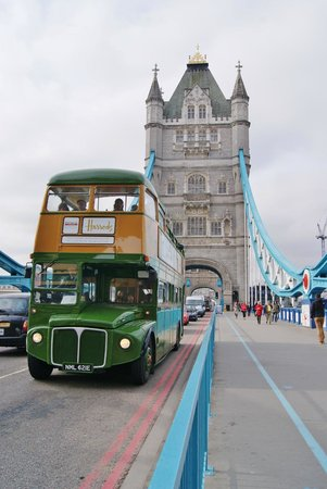 Puente Tower Bridge: Bus di Harrods