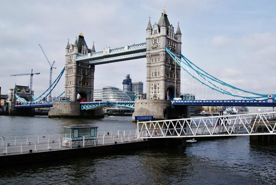 Puente Tower Bridge: Laterale