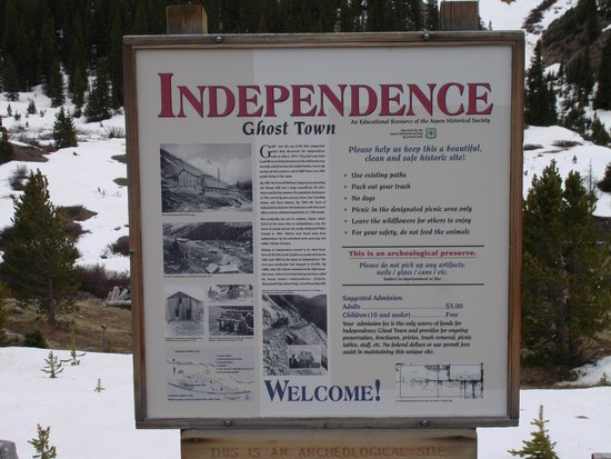 Independence Pass: signage