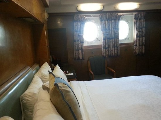 The Queen Mary: Typical cabin