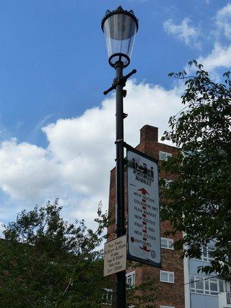 Portobello Road Market: Sign