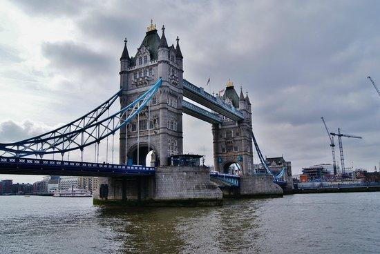 Puente Tower Bridge: Laterale2