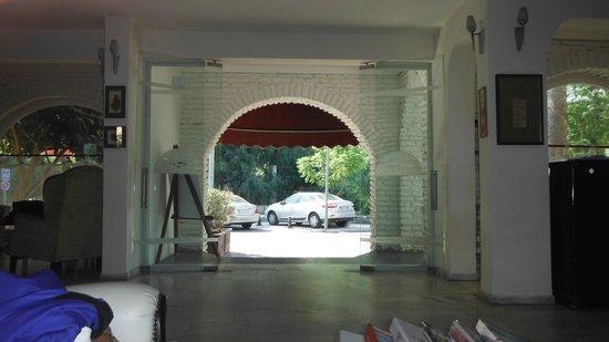 Serhan Hotel: Hotel inside