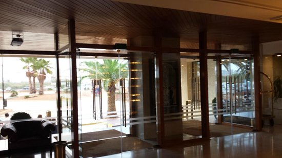 Royal Plaza Hotel: Lbby