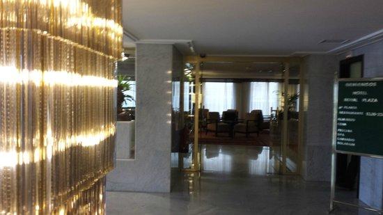 Royal Plaza Hotel: Lobby