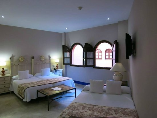 Hotel Patio de la Alameda: Habitación familiar para 4 personas