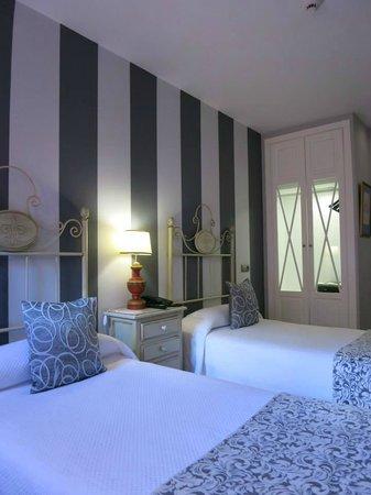 Hotel Patio de la Alameda: Habitación doble con camas separadas