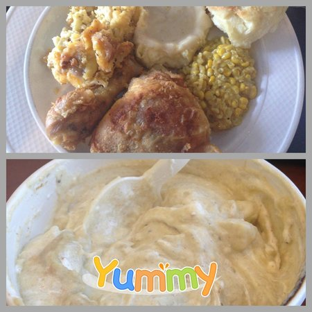 The King's Kitchen: Yummy skillet fried chicken and ok banana pudding