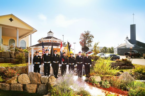 Savannah House Hotel: Military Color Guard