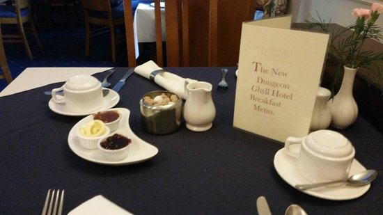 New Dungeon Ghyll Hotel: Breakfast