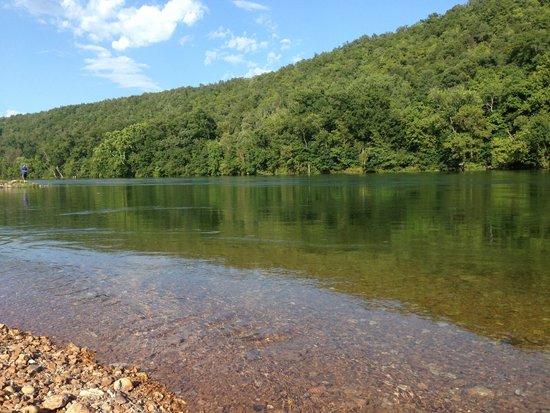 White Hole Resort: White River