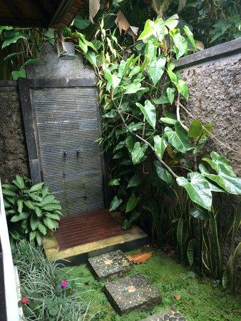 Munduk Moding Plantation : douche extérieur