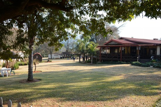 Jock Sabie Lodge: Restaurant and Grounds