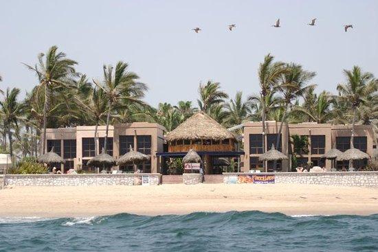 Villas El Rancho Green Resort: Somos un hotel frente a la playa