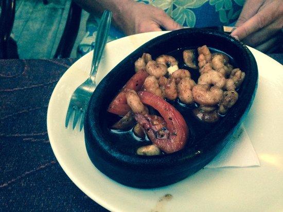Ley Ley Restaurant: Fried shrimp starter. Great quality food
