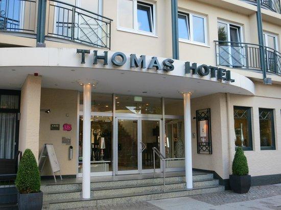 Eingang vom Thomas Hotel