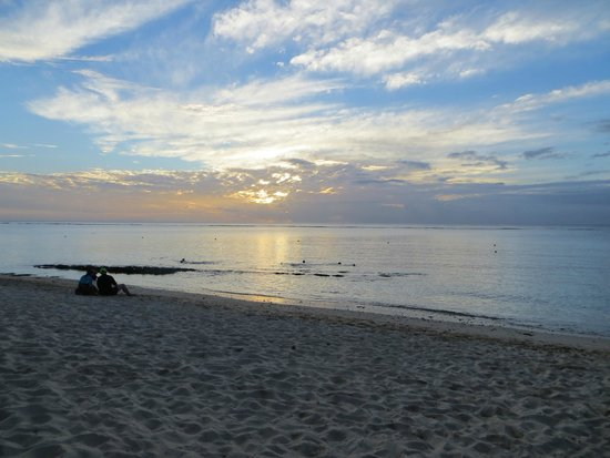 Victoria Beachcomber Resort & Spa: Sunsets