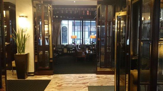 Rathbone Hotel: reception & lobby