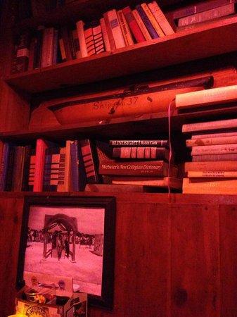 Flounder's Chowder House: Decor