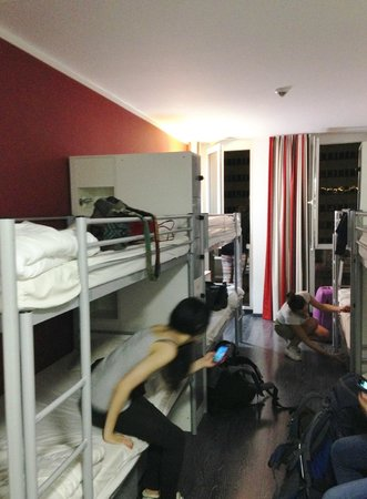 ONE80° Hostels Berlin: camera da 8 letti