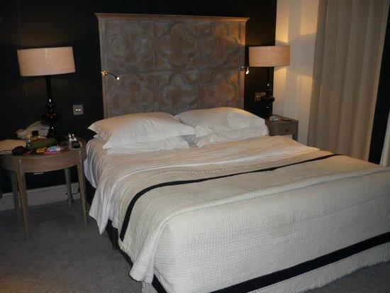 The Bloomsbury: Detalle cama
