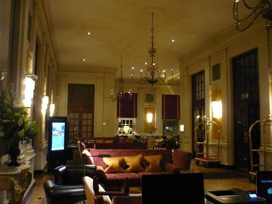 The Bloomsbury: Hall de entrada principal