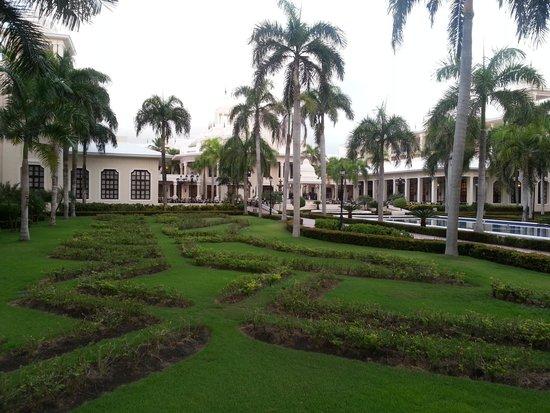Hotel Riu Palace Punta Cana: RIU grounds