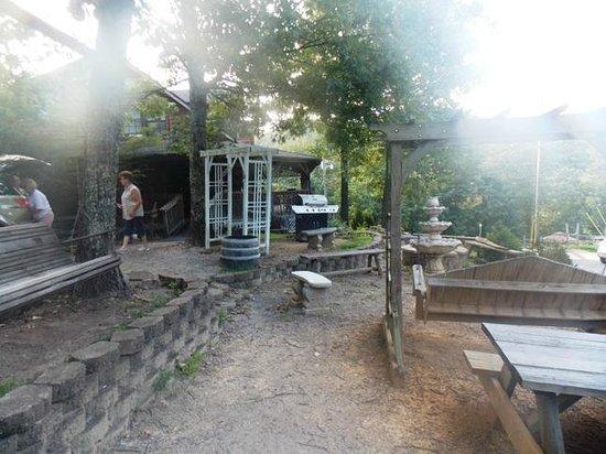 Backhome Log Cabins: Firepit area