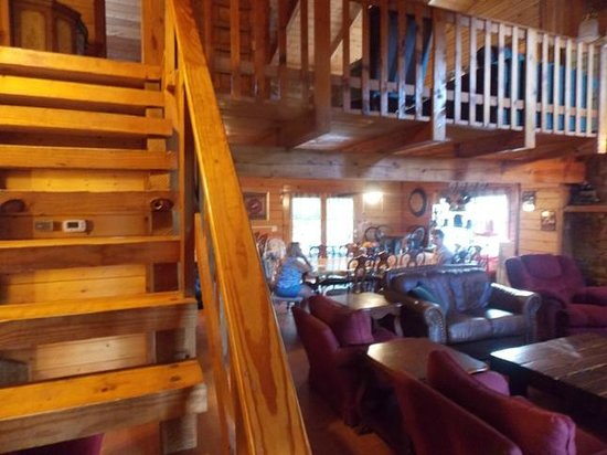 Inside front door - Picture of Backhome Log Cabins, Sevierville ...