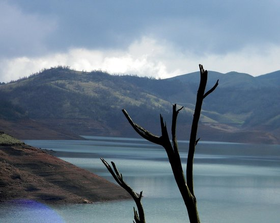 Upper Bhavani Lake: One of the Beautiful places i have ever seen.