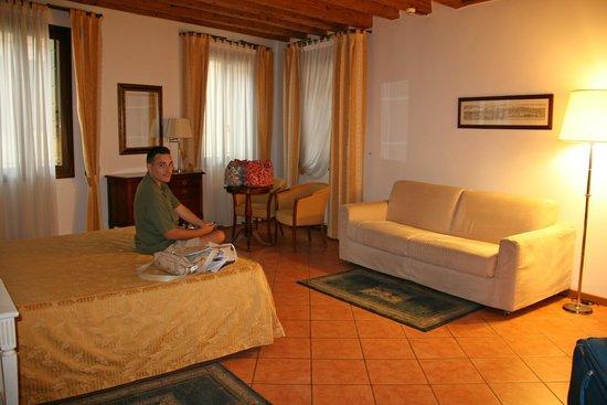 Residence Corte Grimani : Master bedroom area