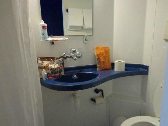 Generator Hostel Berlin Prenzlauer Berg : Salle de bain de la chambre