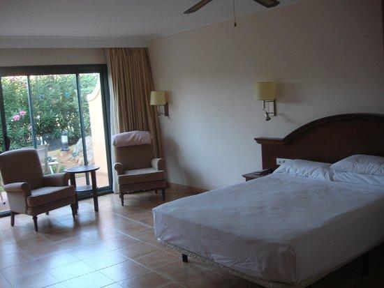 Valentin Star Hotel: Habitacion cama XL
