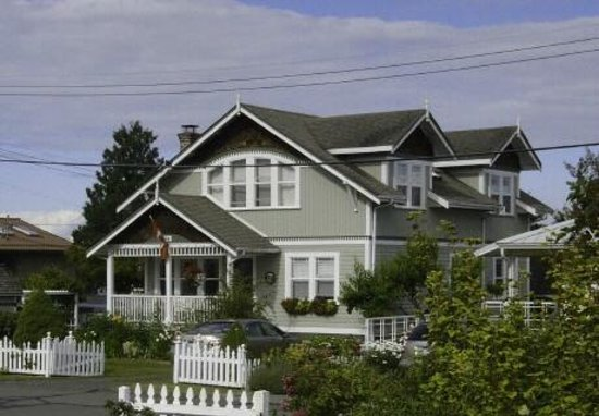 Timeless Rose Bed & Breakfast: Chemainus bed & breakfast - beautiful west coast charm