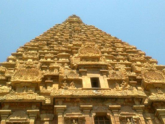 Brihadeeshwara Temple: From inside