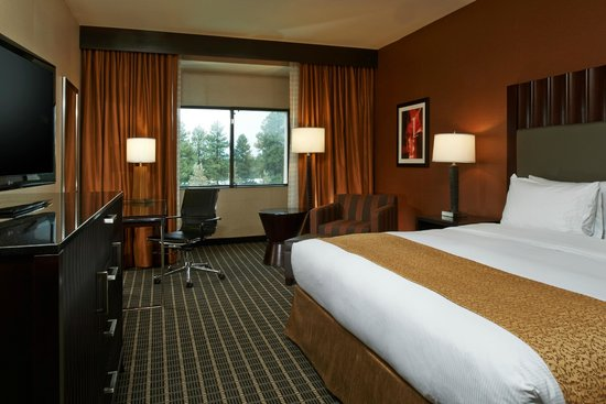 DoubleTree by Hilton Hotel Flagstaff: King Guestroom