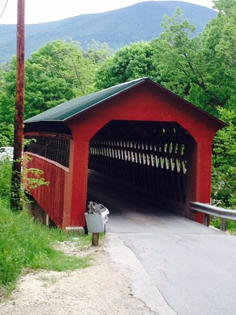 The Dorset Inn : Covered bridges in the area