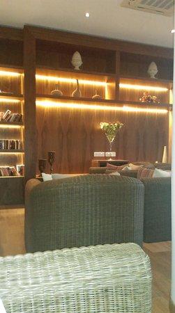 The King Jason Paphos: Lobby bar