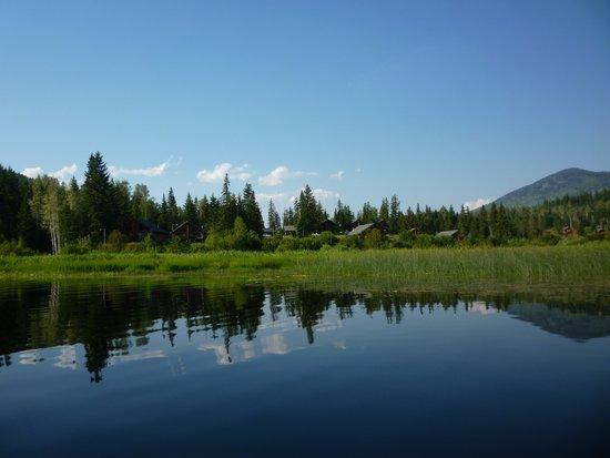 Alpine Meadows Resort: view from lake to resort
