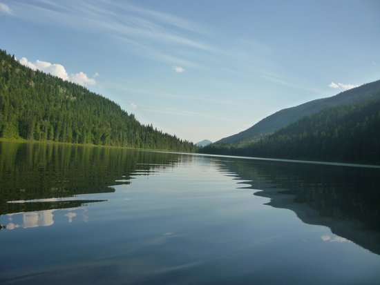 Alpine Meadows Resort: View down the lake