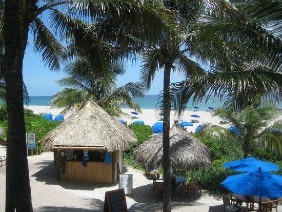 Palm Beach Marriott Singer Island Beach Resort & Spa: Beach Entrance